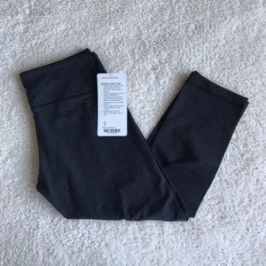 NWT Lululemon Wunder Under Crop size 6